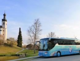 Setra 417-GTHD Busreisen Heitauer, www.heitauer.de, reisen Heitauer, Busse Heitauer, Bus Heitauer, Heitauer Reisen, Heitauer Europa, Heitauer Österreich, Spaß, bequem Reisen, bequem Busreisen, bequem verreisen , Freude am Reisen, Busreisen, Reisen mit dem Bus, bequem reisen mit dem Bus, schöne Aussicht, Luxus Reisen mit dem Bus, Erleben, Erlebnisreisen mit dem Bus, Urlaubsreisen mit dem Bus, Vereinsfahrten, Gruppenreisen, Tagesreisen, Schulverkehr, Personenbeförderung, unsere Busse, bequeme Sitze mit angenehmen Sitzabstand, verfügen über Klimaanlage, WC und Bordküche, DVD & Unterhaltung an Bord, www.busreisen-heitauer.de Liebe Reise Gäste, Qualität und Komfort sind die Grundlagen für zufriedene Kunden. An diesem Ziel halten wir auch nach über acht Jahrzehnten Reiseerfahrung konsequent fest.Mit unseren modernen Reisebusse haben wir einen weiteren Schritt zu noch mehr Bequemlichkeit beim Busreisen gewagt. Unsere modernen Neoplan Reisebusse mit großem Sitzabstand erfreuen sich nach wie vor großer Beliebtheit. Doch auch alle anderen Bausteine einer Reise haben unsere volleste Aufmerksamkeit. Ein gutes Hotel, eine fachkundige Reiseleitung, ein aufmerksamer Fahrer und eine umfassende Organisation soll Ihnen auch für die nächste Reisesaison höchsten Urlaubsgenuss garantieren. Alle Mitarbeiter und Familie Heitauer werden nach Kräften versuchen, Ihre nächste Busreise wieder zu einem vollen Erfolg werden zu lassen.Reisen bedeutet für den stressgeplanten Menschen schon immer etwas mehr, als nur einfach irgendwo hinzufahren. haben bequeme Sitze mit angenehmen Sitzabstand verfügen über Klimaanlage, WC und Bordküche DVD & Unterhaltung an Bord werden von unseren beiden Mechanikern sorgfältig gewartet Träumen und verlieben erlaubt! Die Stadt der Liebe ist mit dem Bus gut zu erreichen und bietet Alles was man für einen nettes Wochenende und Kurzurlaub braucht. Zu den Klassikern der Busreisen zählt ohne Zweifel die Mozart-Stadt Wien. Erleben sie die Wiener Kaffeehaus-Kultur. Berlin i